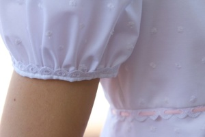 White regency dress sleeve detail
